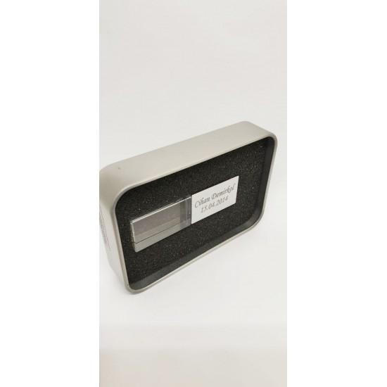 Kişiye Özel Gümüş Renkli Işıklı Metal Usb Bellek 32 GB (Promosyon Ürünleri) by www.tahtakaledeyiz.com